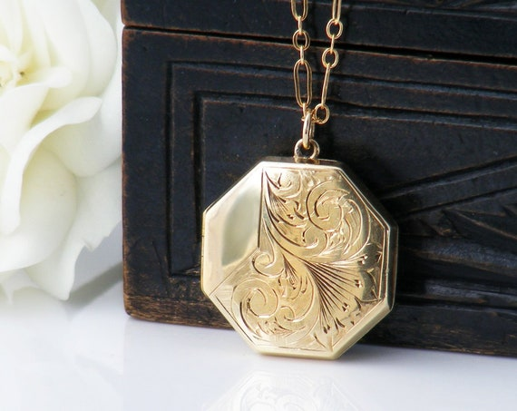 Vintage Locket | 9ct Gold Front & Back Locket | Octagonal Shape Photo Locket - 18 Inch Chain