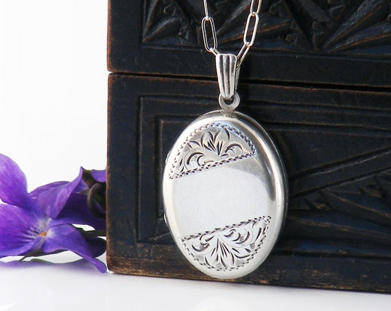 Vintage Sterling Silver Locket Necklace | 1974 English Hallmark | Small Oval Locket - 22 Inch Chain