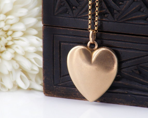 Antique Heart Locket | Victorian Satin Finish Gold Shell Photo Locket | Love Token | Wightman & Hough Co - 22 Inch Chain
