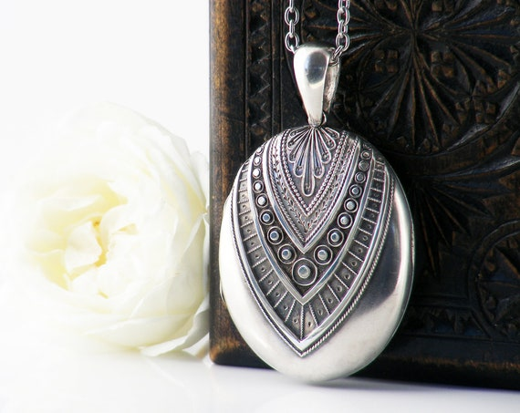Victorian Locket Sterling Silver | Large Cushion Oval Antique Locket Necklace, Textured V Design - 34 Inch Long Chain