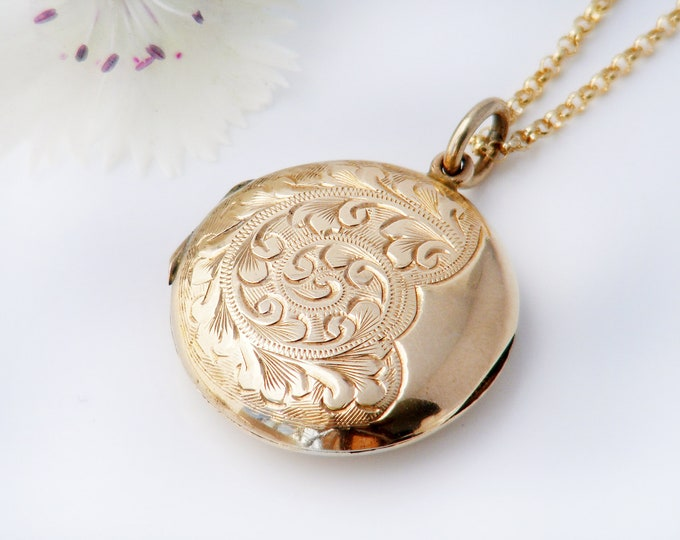 Vintage Locket | 9ct Gold Front & Back Locket | Round Engraved Photo Locket - 20 Inch Chain