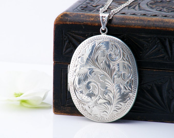 Large Sterling Silver Vintage Locket Necklace | Engraved Oval Locket | 1977 English Silver Jubilee Hallmark - 30 Inch Chain