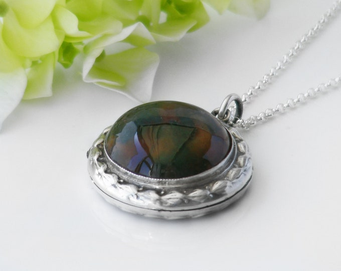 Vintage Locket | Sterling Silver & Moss Agate Cabochon l English Hallmark 1975 | Photo Locket Necklace - 20 Inch 925 Silver Chain