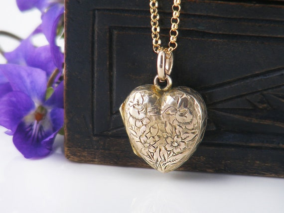 Antique Heart Locket | Victorian Gold Back & Front Locket | Puffy Heart with Forget-Me-Not Flowers - 20 Inch Chain