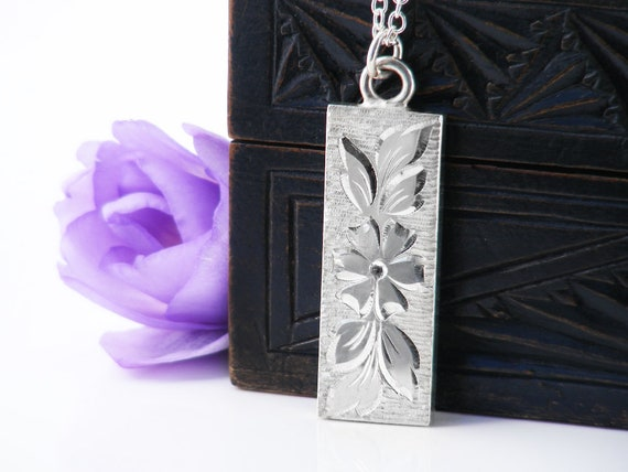 Vintage Sterling Silver Ingot Pendant | Queen's Silver Jubilee 1977 English Hallmarks | Forget-Me-Not Flower | Half Ounce - 30 Inch Chain
