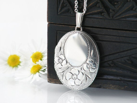 Vintage Sterling Silver Locket with Forget-Me-Not Flowers | 1979 English Hallmark - 20 inch Chain