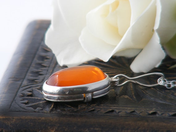 Vintage Locket, Amber & Sterling Silver | Baltic Amber Cabochon | 925 Silver Mid-Century Modern Slide Locket - 30 inch Long Chain