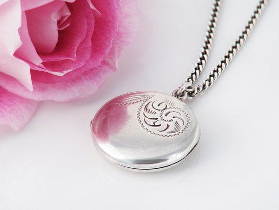 Small Vintage Sterling Silver Locket | Engraved Locket | Round Photo Locket Necklace - 20 Inch Chain