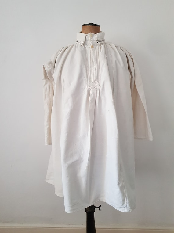 Romanian linen smock shirt Eastern European Folk S