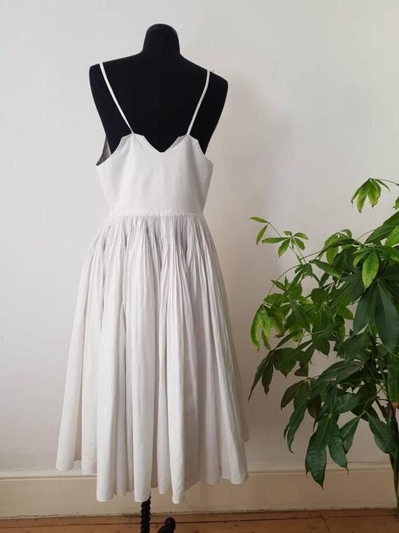 1930s Slovakian White Cotton Folk Dress Eastern E… - image 5