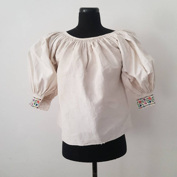 1930s Slovakian Linen Folk Blouse Embroidered Cuff