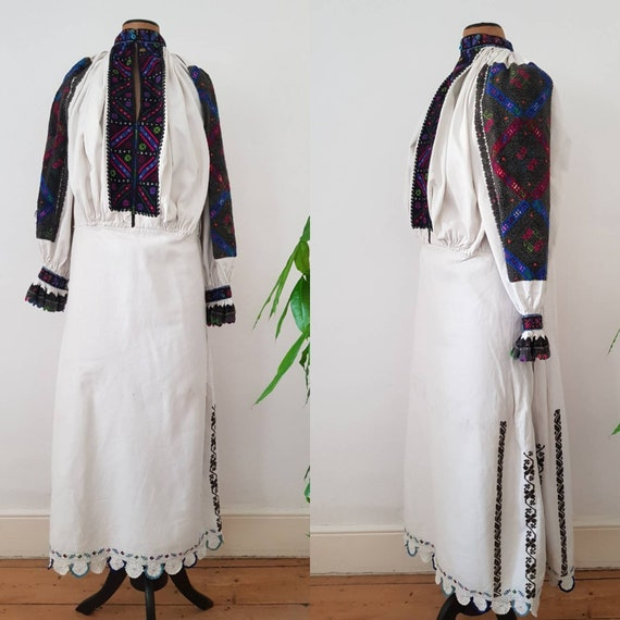 1940s Transylvanian Linen Dress Embroidered Romani