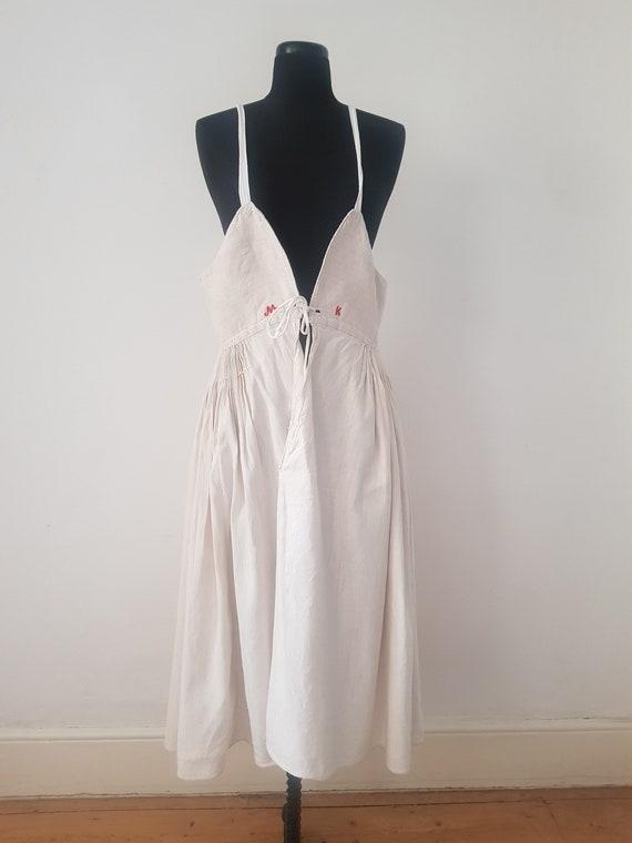 1930s Slovakian Linen Pleated Pinafore Dress Unde… - image 3