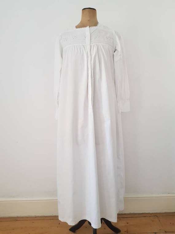 Early 1900s Antique White Cotton French Nightgown