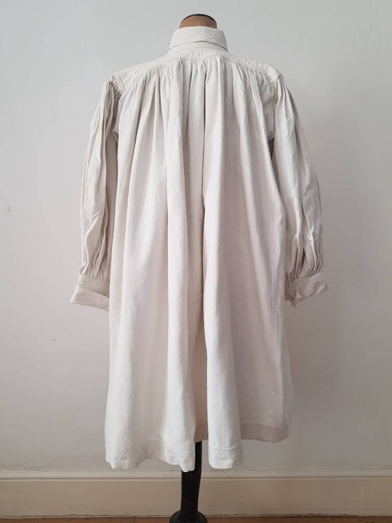 Romanian Linen Smock 1930s Pleats Embroidery Shir… - image 10