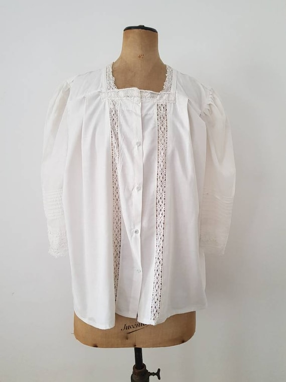 Antique French white cotton blouse lace trim early