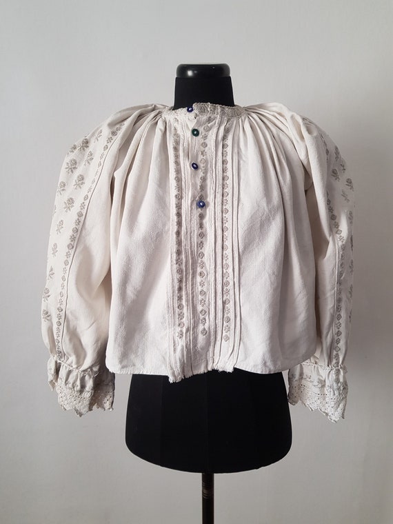 1940s Romanian folk blouse linen embroidered tradi
