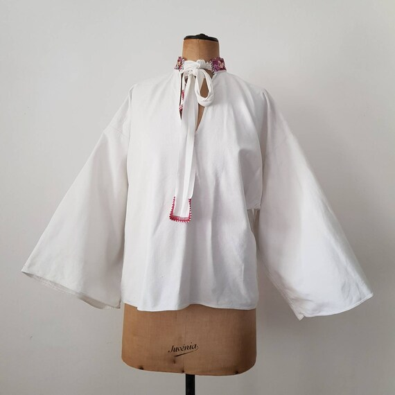 Hungarian white Linen folk shirt embroidered colla