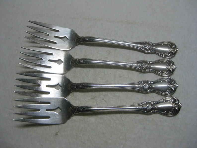 TOWLE STERLING SALAD FORK ~ LAFAYETTE ~ NO MONO S