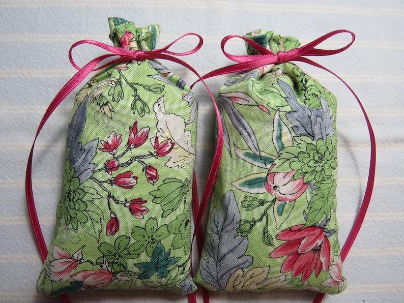 Spring Green 5X2 Sachet-/'Honeysuckle/' Fragrance-PinkBlueRed Mayflowers Sachet-Cotton Hand-Blended Botanical Sachet-Cindy/'s Loft-201