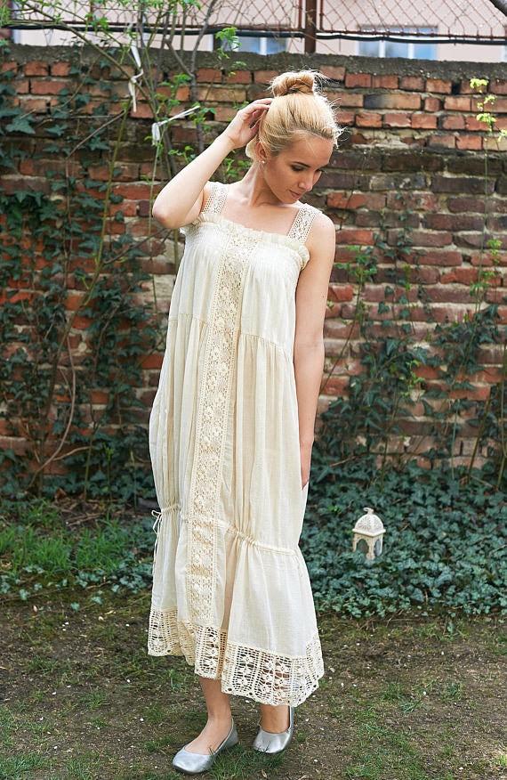 Plus Size Wedding Dress, Boho Wedding Dress, Embroidered Wedding Dress,  Alternative Wedding Dress, Beach Wedding Dress, Summer Wedding Dress