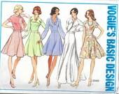 VOGUE 2840 UNCUT Size 16 Bust 38 Basic Design Knit Dresses Raglan Sleeves V-Neck Collar Flared Skirt Sleeves Vintage 1970's Pattern
