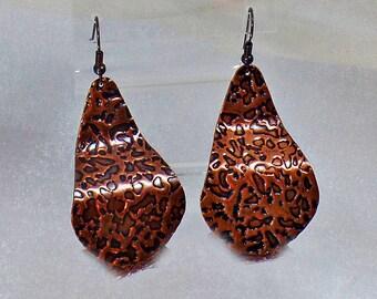 Vintage Earrings. Copper Earrings. Hammered Copper Earrings.  Copper Pierced Earrings. waalaa.