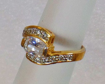 Gold Ring. CZ Ring. Vintage Ring. Bypass Ring.  Large Ring. Solitaire Ring. Rings for Women. Jewelry for Brides. Jewelry for Women. waalaa