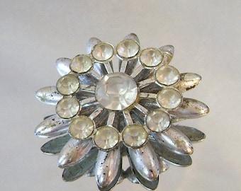 Flower Brooch. Rustic 1940s Rhinestone Brooch.  Pot Metal and Rhinestone Pin.  Wedding Flower Brooch.  Star Mum Brooch. waalaa.