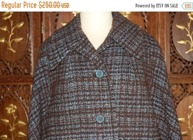 ON SALE Vintage 1960s Periwinkle & Brown Tweed Boucle Wool image 0