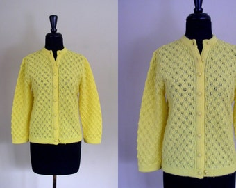 ff0457f8dfb6 Vintage 1960 s Daisy Yellow Cardigan   60 s Another Boepple Creation ABC  Orlon Acrylic Honeycomb Knit Sweater