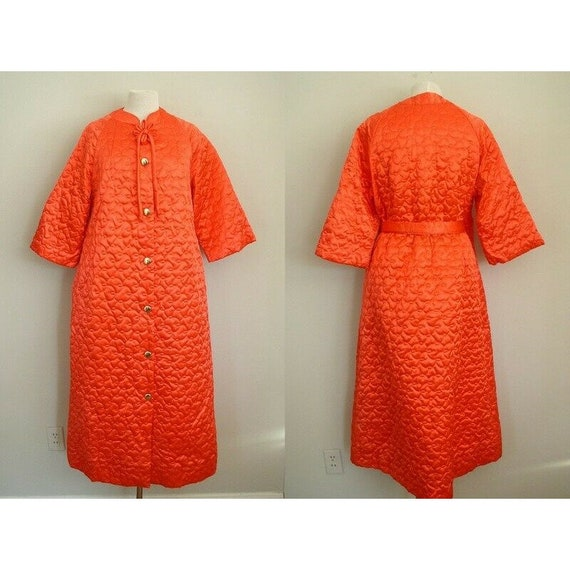 Vintage 1950s Coral Satin Quilted Robe / Womens Ho