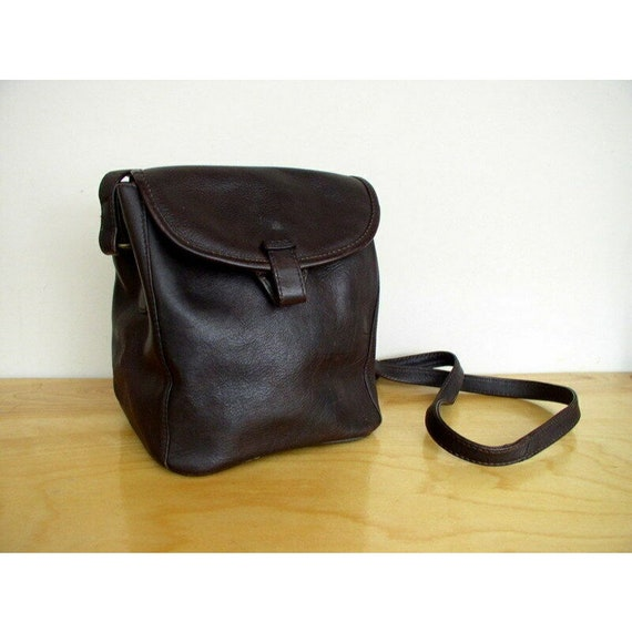 Vintage 1980's Chestnut Brown Leather Crossbody /
