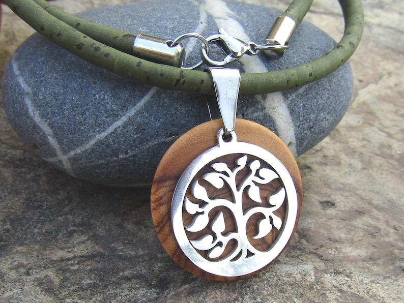 6130d0d4e03 Collier bois d olivier liège arbre de vie olive vert acier