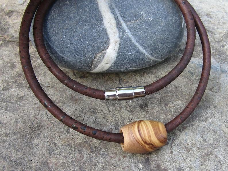 1062712e52f Collier bois d olivier líege brun foncé tube pendentif