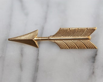 76c427d1796b Arrow brooch/lapel pin makes a beautiful gift!