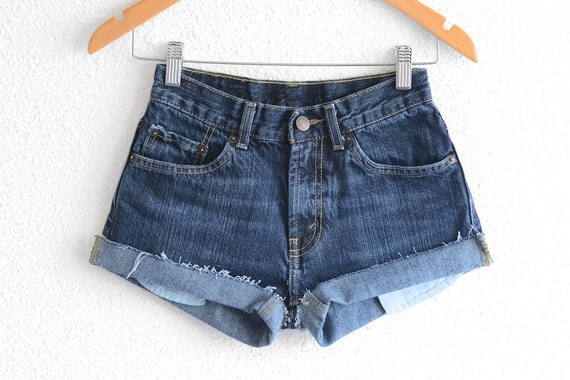 Levis High Waisted Shorts size 0 Shorts Vintage Le
