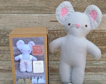 DIY kit: mouse stuffed companion, by kata golda