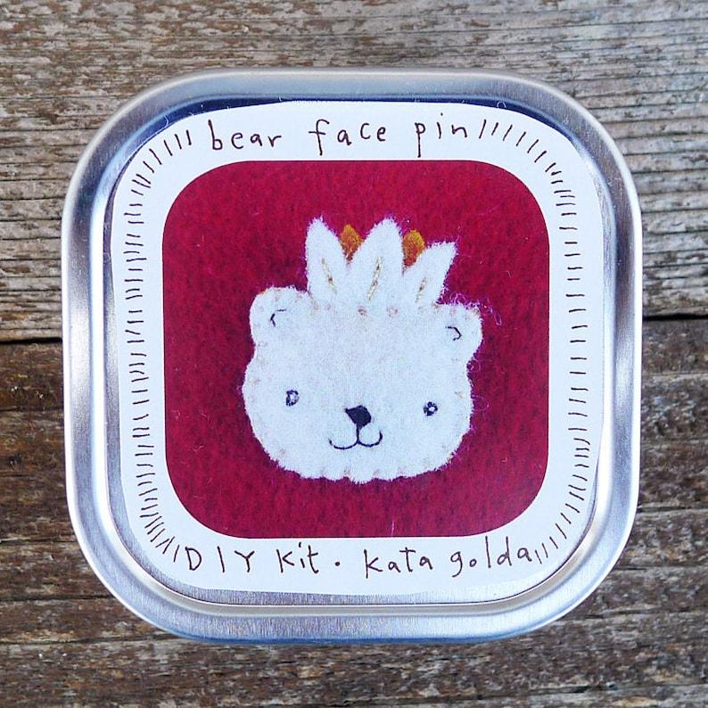 DIY pin kit bear face by Kata Golda