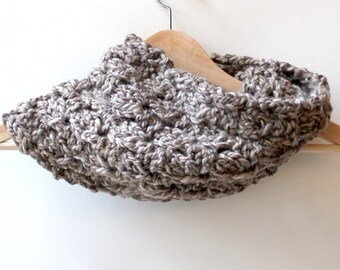 Knit Cowl Scarf,  Chunky Cowl Scarf, Chunky Scarf, Gift for Her, Knit Cowl, Fashion Cowl, Knit Chunky Scarf, Chunky Knitted Scarf, Neutral