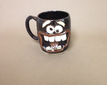 Large Black Pumped Up Coffee Cup. Extremely Happy Big Smiley Face Ug Chug 20 Oz Coffee Cup. Ceramic Beer Mug. Unique Beer Steins. MILTON.
