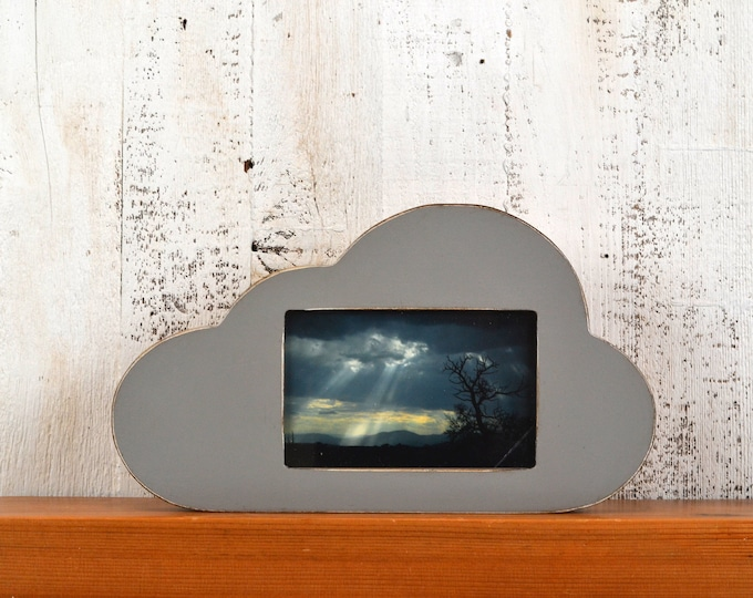 4x6 Cloud Shape Picture Frame in Vintage Grey Finish - IN STOCK Same Day Shipping - 4 x 6 inch Landscape Table Top or Wall Hanging Frame