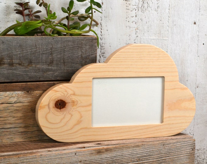 4x6 Cloud Shape Picture Frame in Finish COLOR of YOUR CHOICE - 4 x 6 inch Landscape Table Top or Wall Hanging Picture Frame
