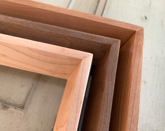 """Natural Hardwood of Your Choice in Park Slope style - Choose your frame size - 2x2 up to 20x30"""" - Modern Frame Free Shipping over 35 USD"""