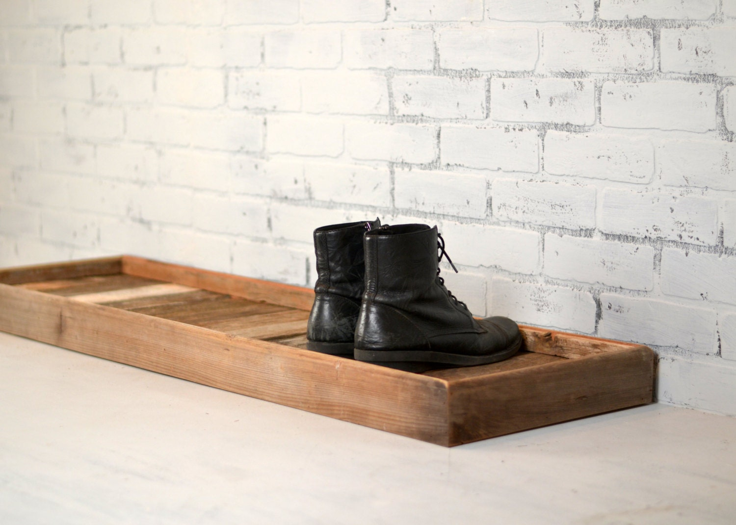 Etonnant Boot Tray Made From Reclaimed Wood   Shoe Storage Entryway Organization    36 Inches Long By 15 Inches Wide   Customizable