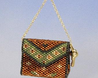 Tiny handbag n.1, peyote and sewing pattern