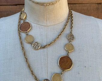33 Inches 1978 Vintage Sarah Coventry Caravan Necklace 8017