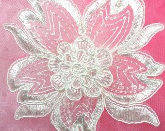 """BL66 White Floral Venise Lace Applique 3.75"""" (BL66-wh)"""