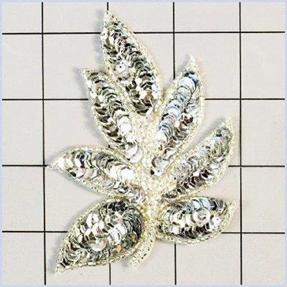 """Leaf Appliques Sequin Green Mirror Pair Beaded Motif Clothing Patch 2/"""" XR293X"""