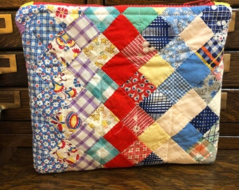 Sewer gift Quilting gift Small purse gifts for Grandma Quilter gift idea Quilt supplies bag I Love Quilting 13x8 Large Zipper pouch